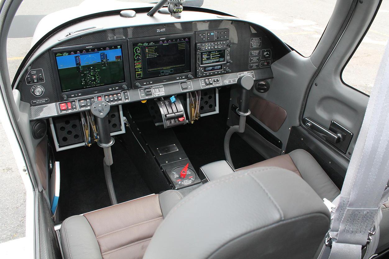 Rv 10 Cockpit
